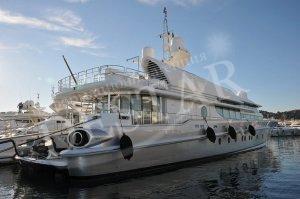 Хърватин купи луксозната яхта на Березовски