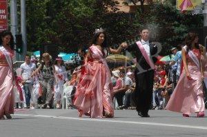 Царица Роза'2012 облича наследнички
