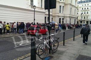 1000 българи на опашки за гласуване в Лондон