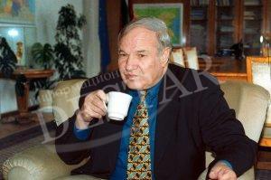 Тодор Кавалджиев няма пари, за да издаде младежките си стихове