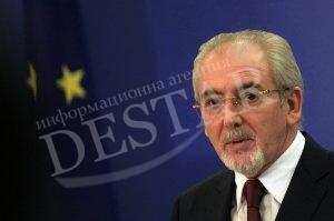 Местан: Вие подменихте вота на гражданите